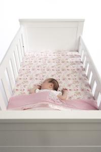 babybed kort opmaken